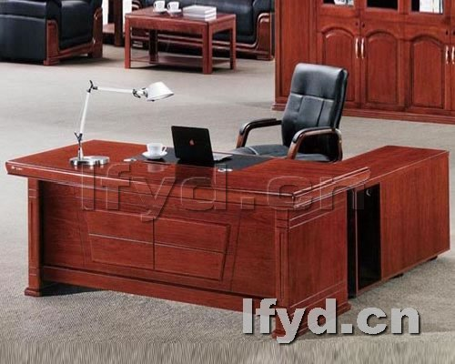 天津办公家具提供生产高档实木欧式老板台厂家