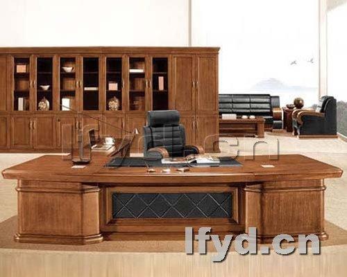 天津办公家具提供生产胡桃色实木老板台厂家