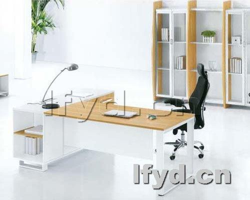 天津办公家具提供生产时尚中班台图片厂家